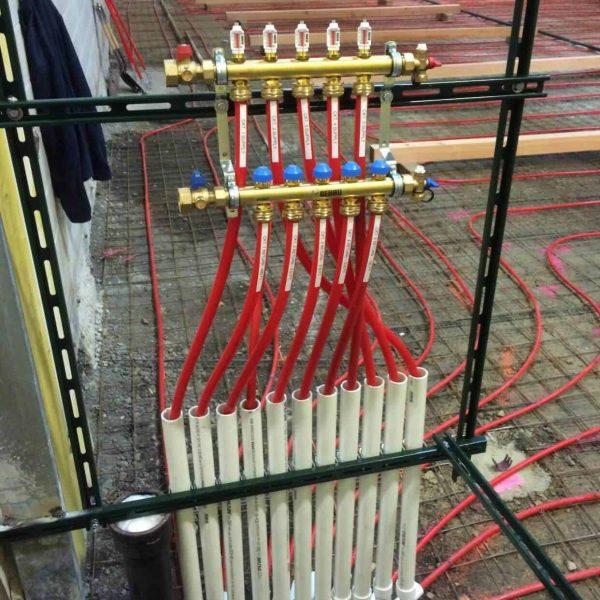 Install-Underfloor-Heat-Manifold